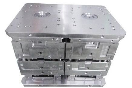 China Hot Runner Precision Mold Base High Gross Surface Long Service Life Time supplier